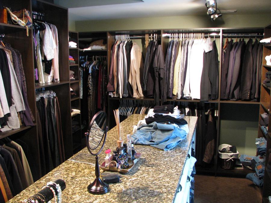 Closet Butler Walk In Clothes Closet Closet Butler Large Closet With Center  Island ...